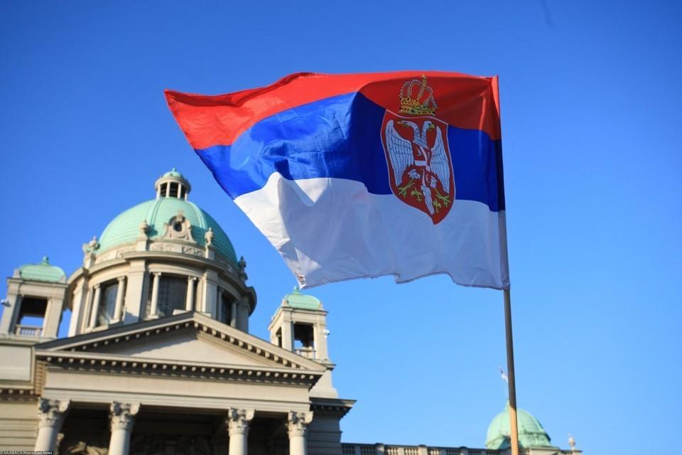 Сербия приняла закон о защите кириллицы