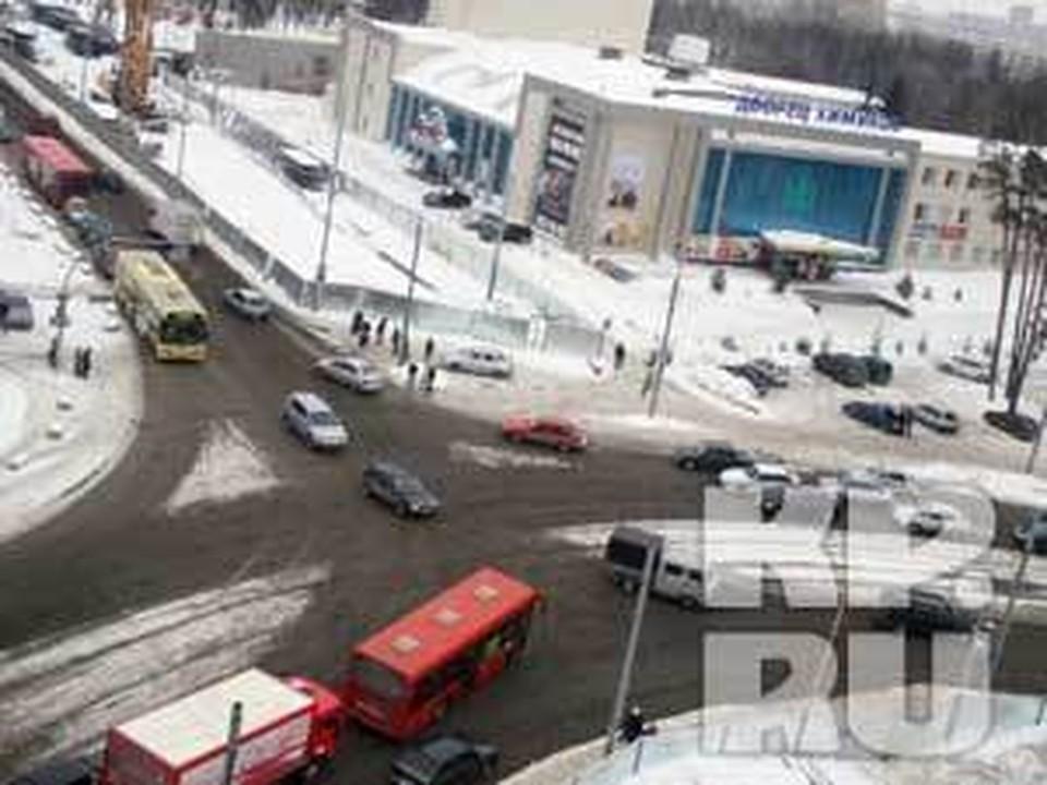 Исполком Казани просит у горожан извинения за временные неудобства и просит автомобилистов заранее предусматривать объездные маршруты