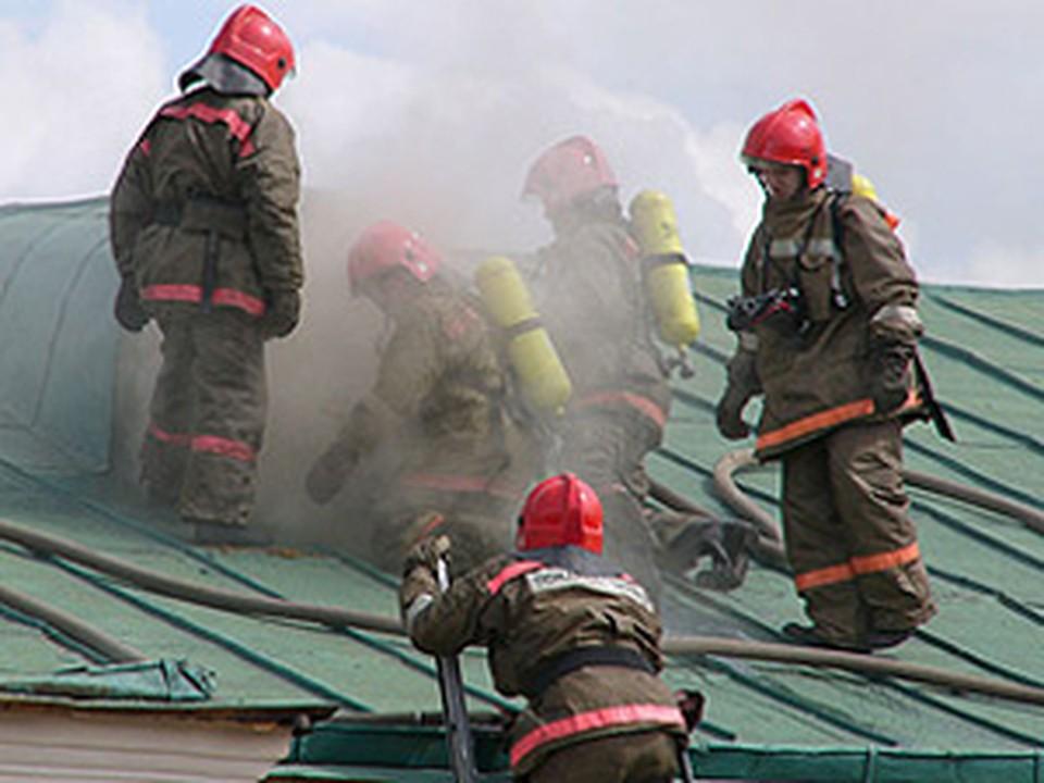 В Ростове на Нансена сгорело помещение завода «Ронис».