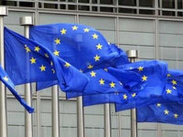 Евросоюз продлил и тут же заморозил санкции против белорусских чиновников