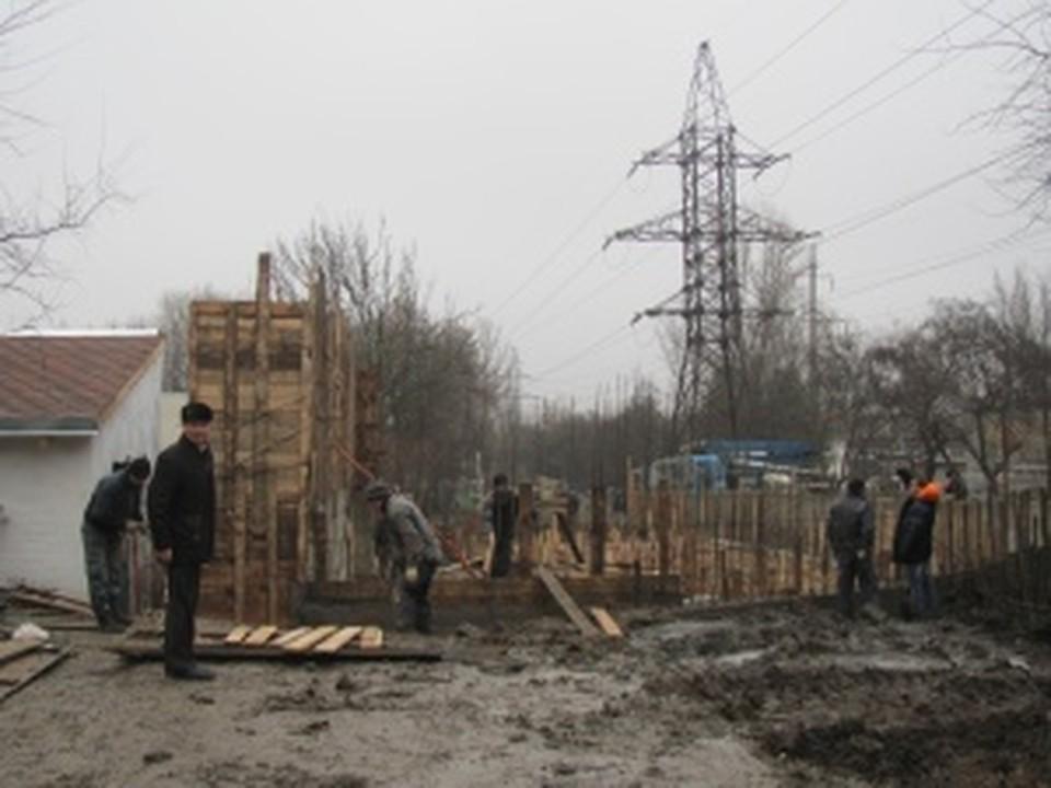 В ростовском зоопарке началось строительство медвежатника.