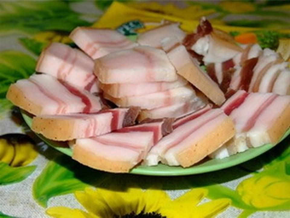 Конкурс на самое смачное поедание сала состоится сегодня в Колывани.