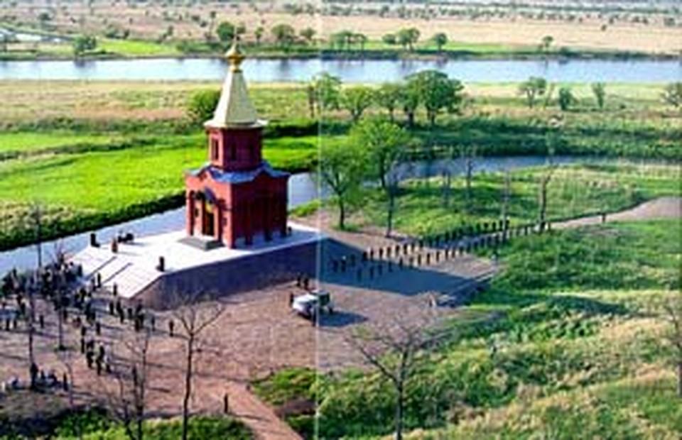 Здесь, возле русской часовни, пройдет новая граница с Китаем.