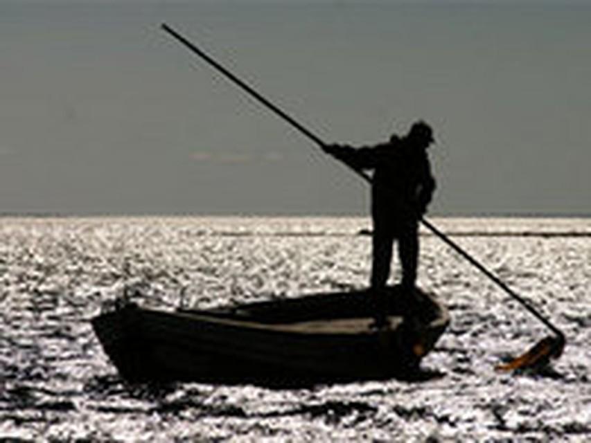 Человек попавший на необитаемый остров и проживший там долго