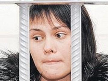 Мнение психолога: неБедная Настя безумно боится мести бывшего мужа