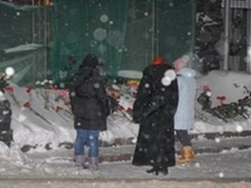 """В Перми во вторую годовщину трагедии """"Хромой лошади"""" поставили памятник ее жертвам"""
