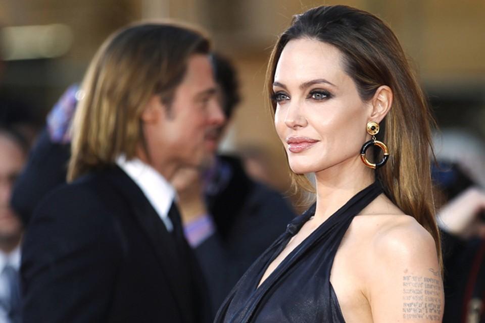 Анджелина Джоли и Брэд Питт на церемонии SAG - вручении наград Американской Гильдии киноактёров.