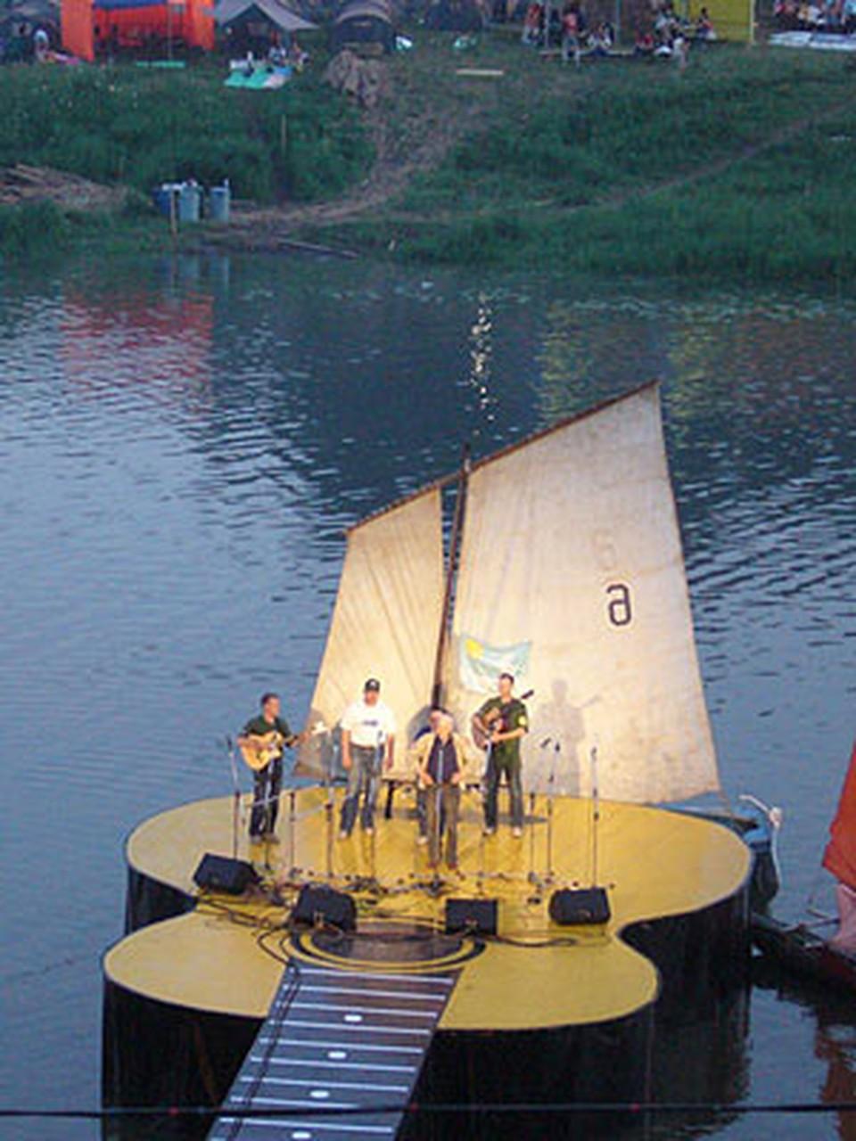 Грушинцы надеются, что в 2009-м году фестиваль опять будет один.