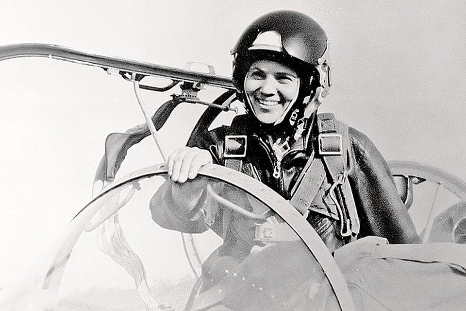 Умерла летчик-испытатель первого класса Марина Попович