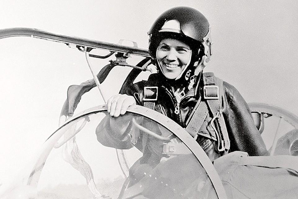 102 мировых рекорда установила в небе генерал-лейтенант Марина Попович.
