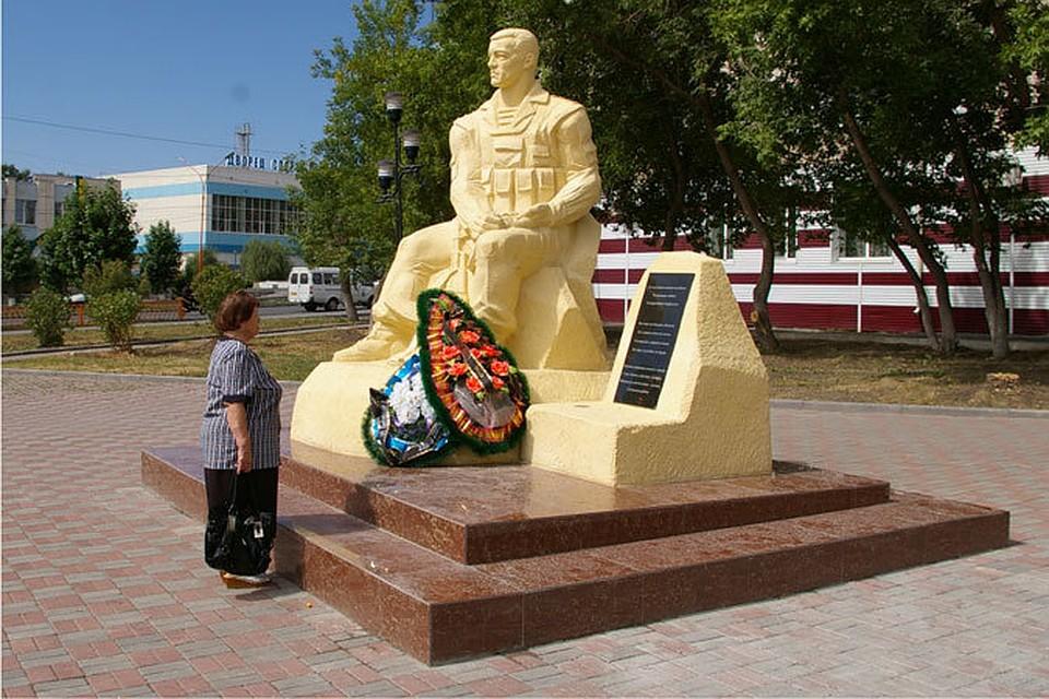 Памятники челябинск цены а продавцы и покупатели вынуждены заказать памятник в омске серов