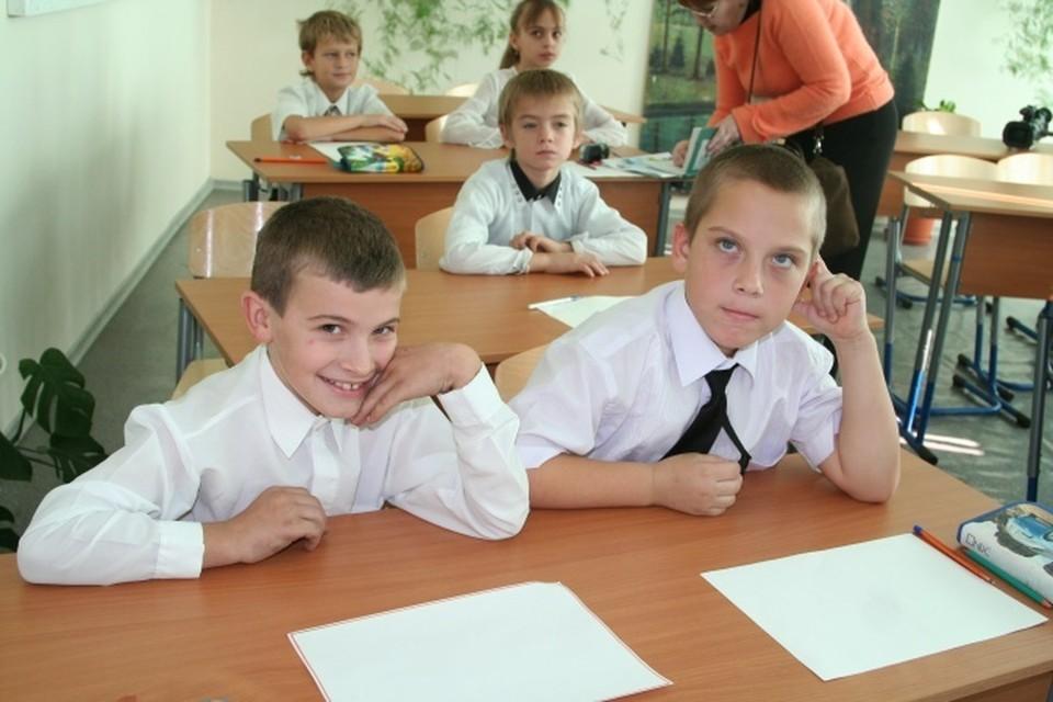 В Ростове благотворительный фонд «Я без мамы» собирает канцтовары для детей из малоимущих семей.