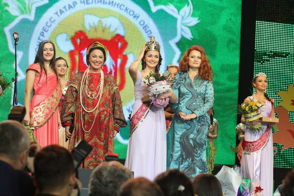 Надежда Бабкина исполнила свои лучшие номера. И даже пела на татарском.