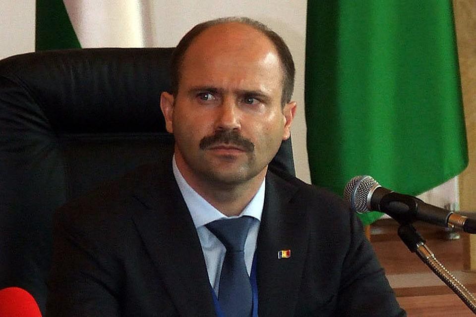 Лазэр: Правительство должно наладить диалог с Россией для обеспечения страны газом
