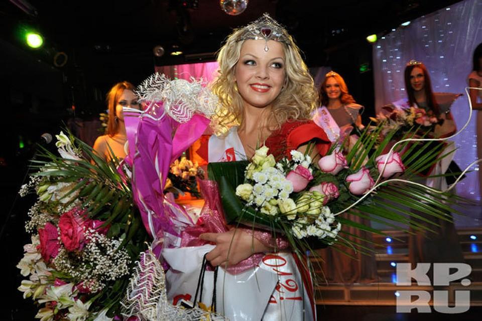 В прошлому году титул первой красавицы достался единственной блондинке в финале Галине Мукасеевой. Кто же возьмет корону в этом году?