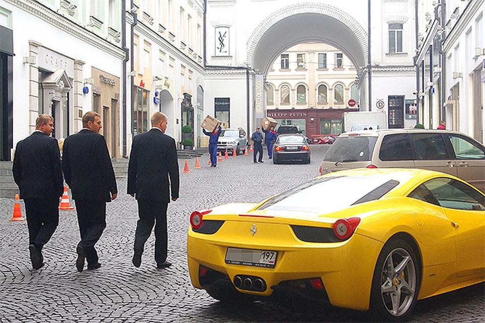 Российские сенаторы владеют виллами в Монако и Испании и ездят на «Мерседесах» и «Инфинити»