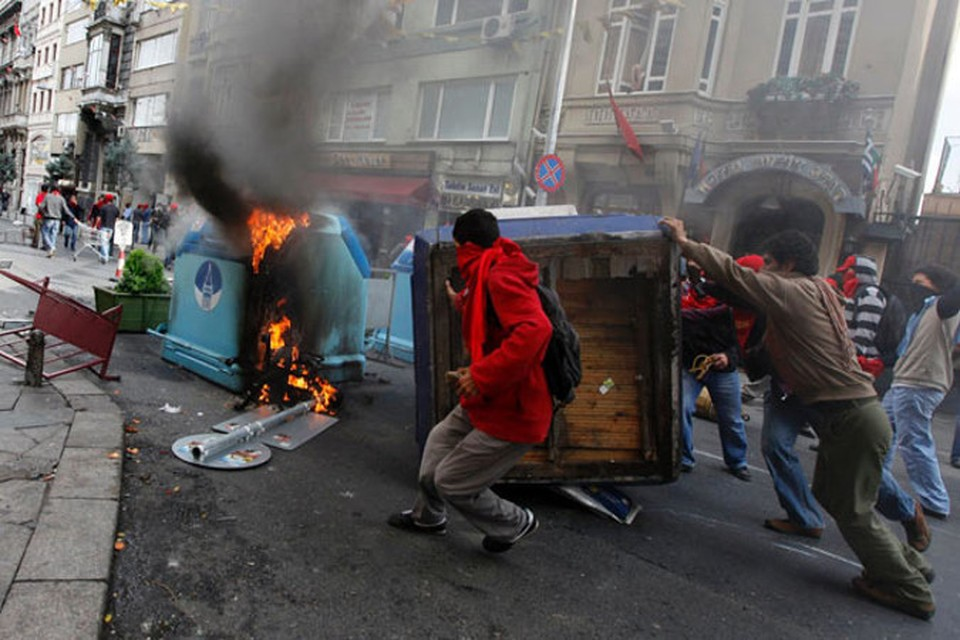 В Турции продолжаются массовые беспорядки