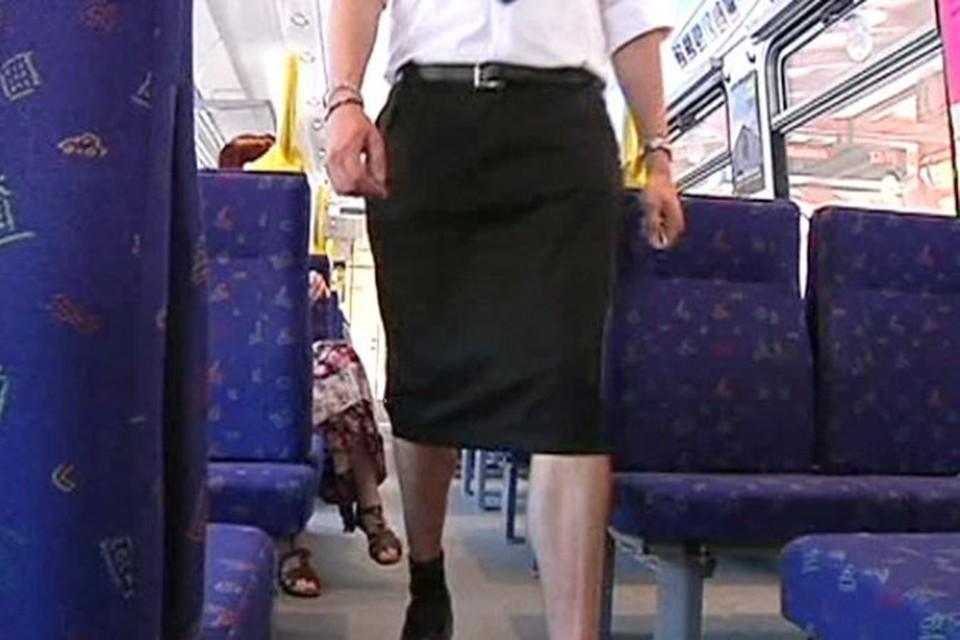 Запрет на шорты вынудил шведских машинистов надеть юбки