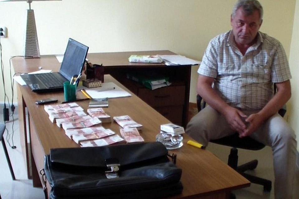Чиновник из мэрии лермонтова попался на взятке в 5 5 млн рублей