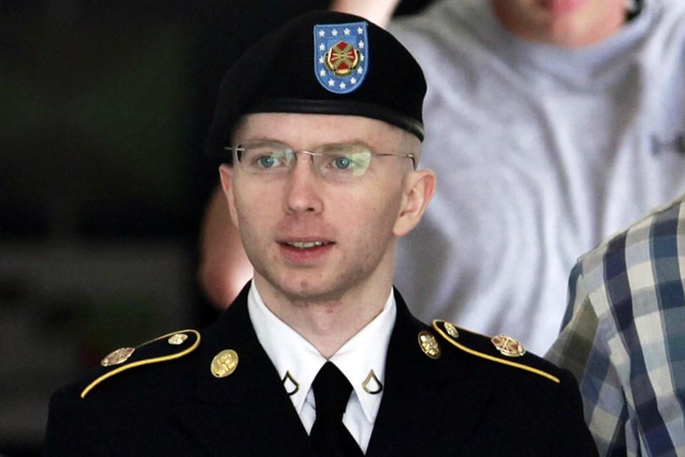 Cуд приговорил информатора WikiLeaks, снабдившего Ассанжа информбомбой, к 35 годам тюрьмы