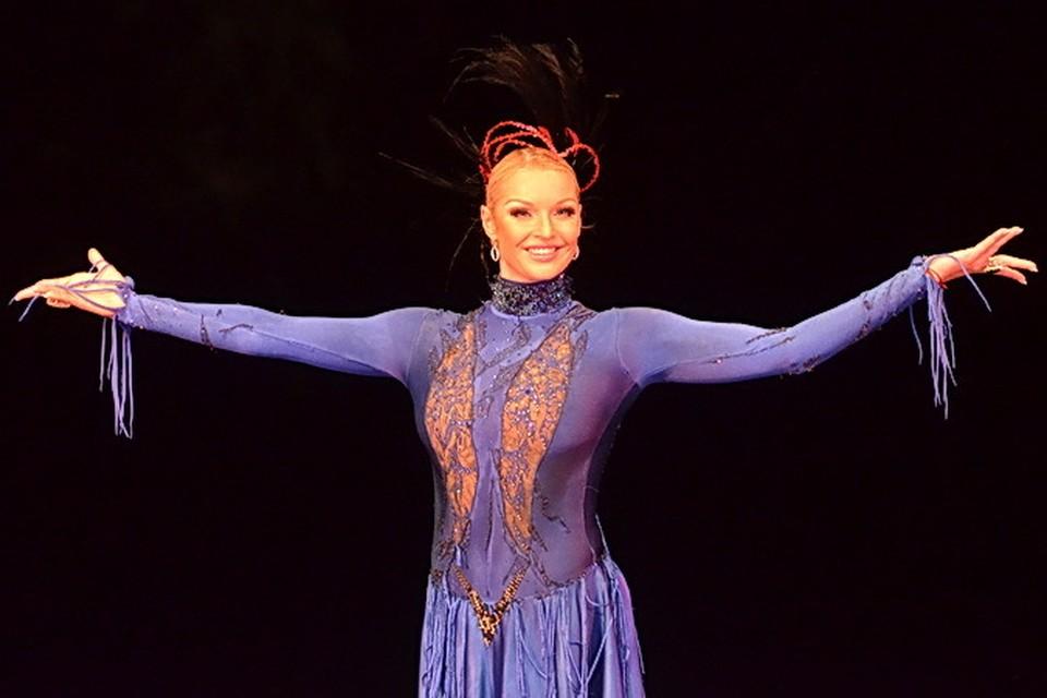 В одном из номеров Волочкова предстала в роли Маргариты из романа Булгакова.