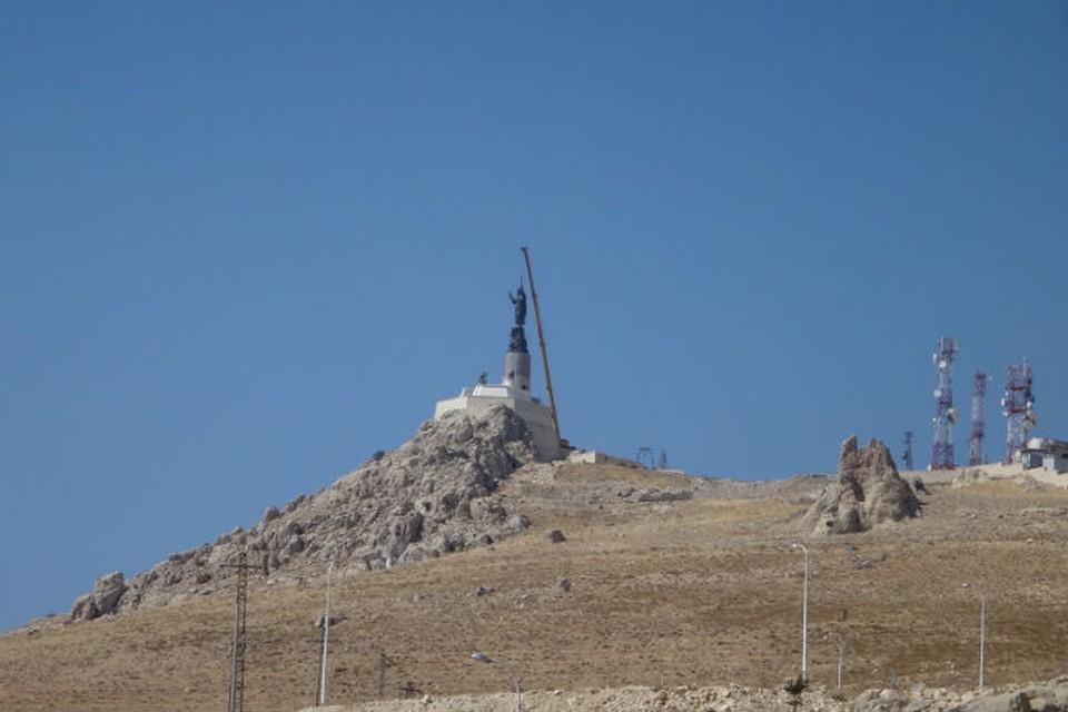 В Сирии установлена скульптурная композиция «Я пришел спасти мир»