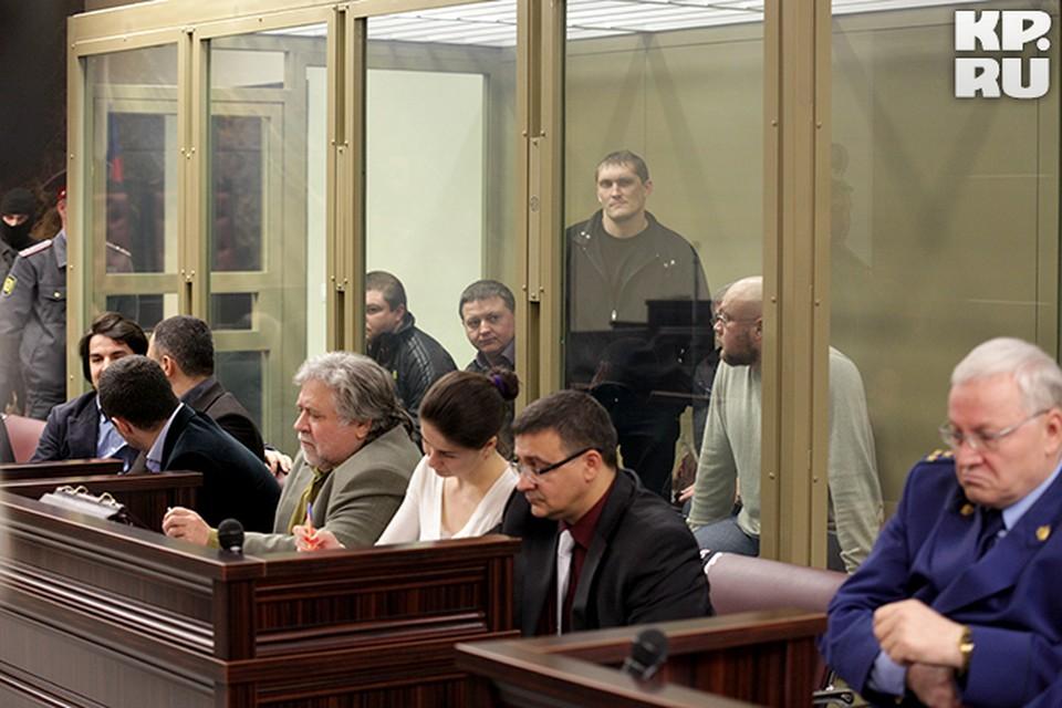 Обсуждение вердикта присяжных по делу банды продолжается