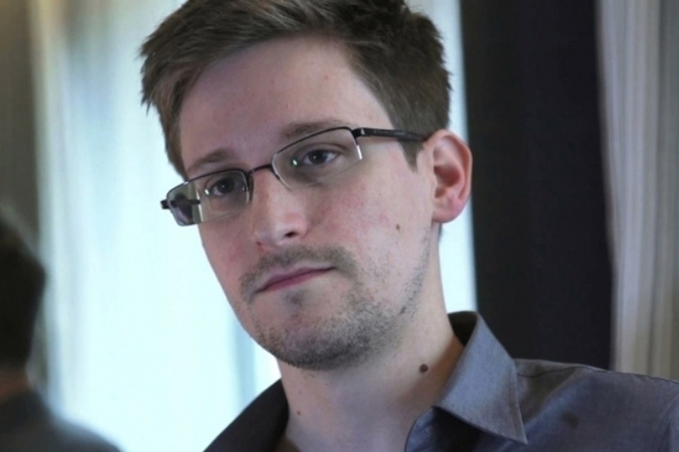 Британские спецслужбы получили приказ найти в Москве Эдварда Сноудена