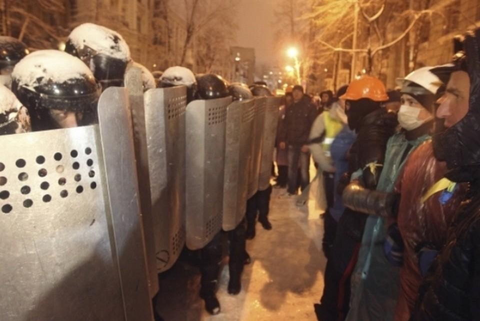 Центральные улицы Киева расчистили от баррикад