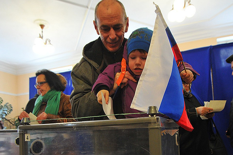В воскресенье крымчане решали судьбу родного полуострова