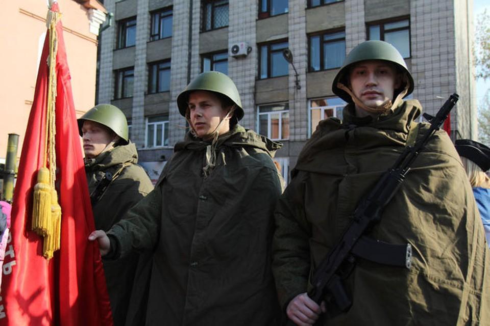 День Победы-2014 в Иркутске: тысячи людей вышли на улицы города.