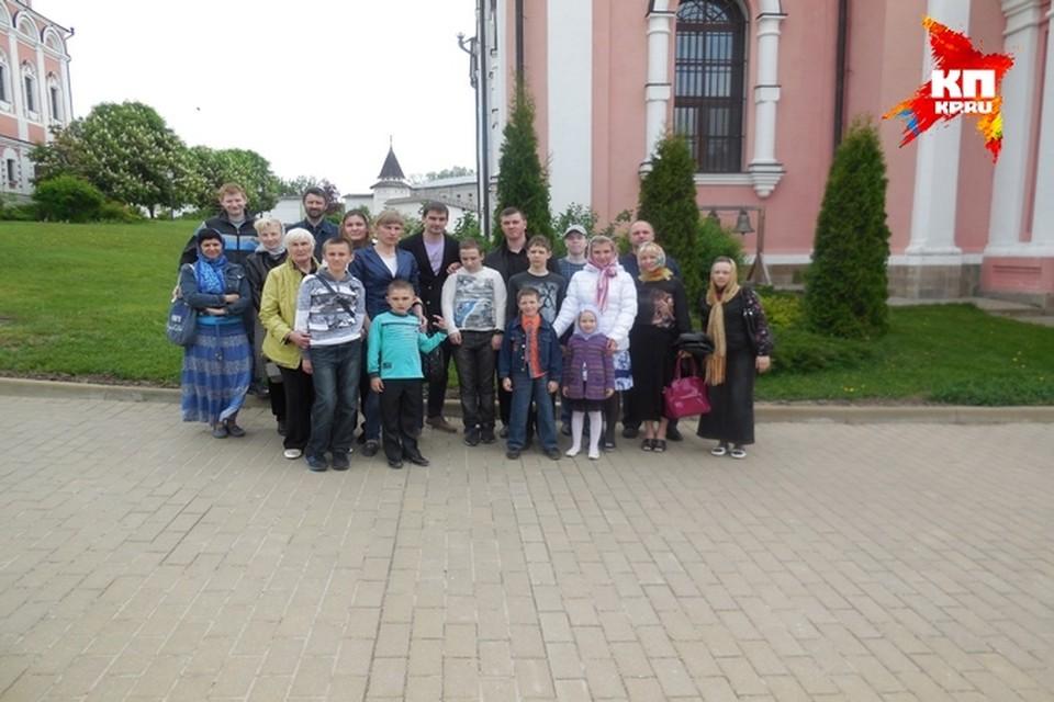 """Экскурсия в Иоанно-Богословский монастырь стала для ребят из ЦДО своеобразным """"уроком под открытым небом""""."""