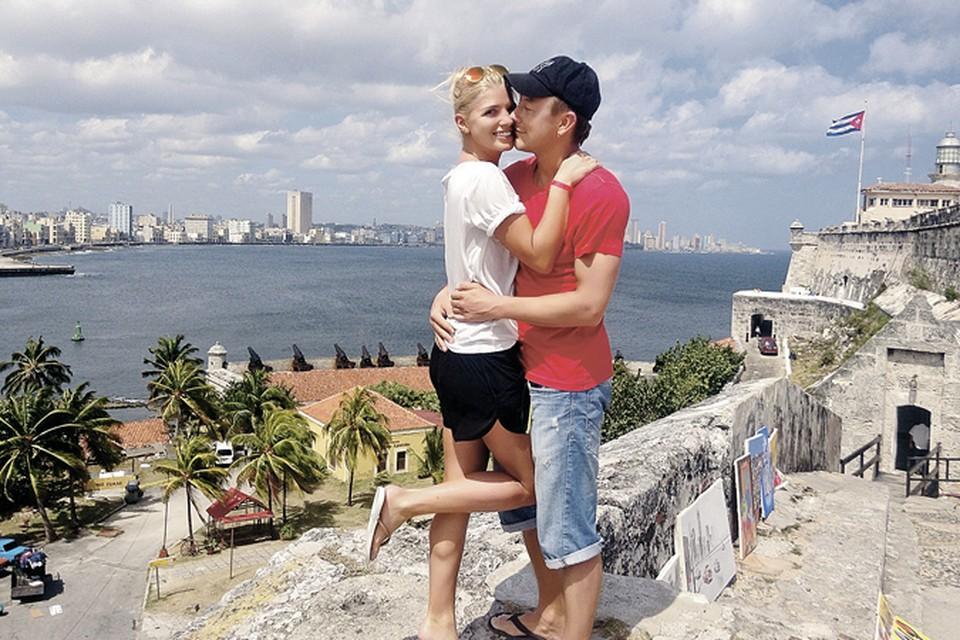 Настя и Сергей вместе уже почти шесть лет- они познакомились вдень ее рождения.