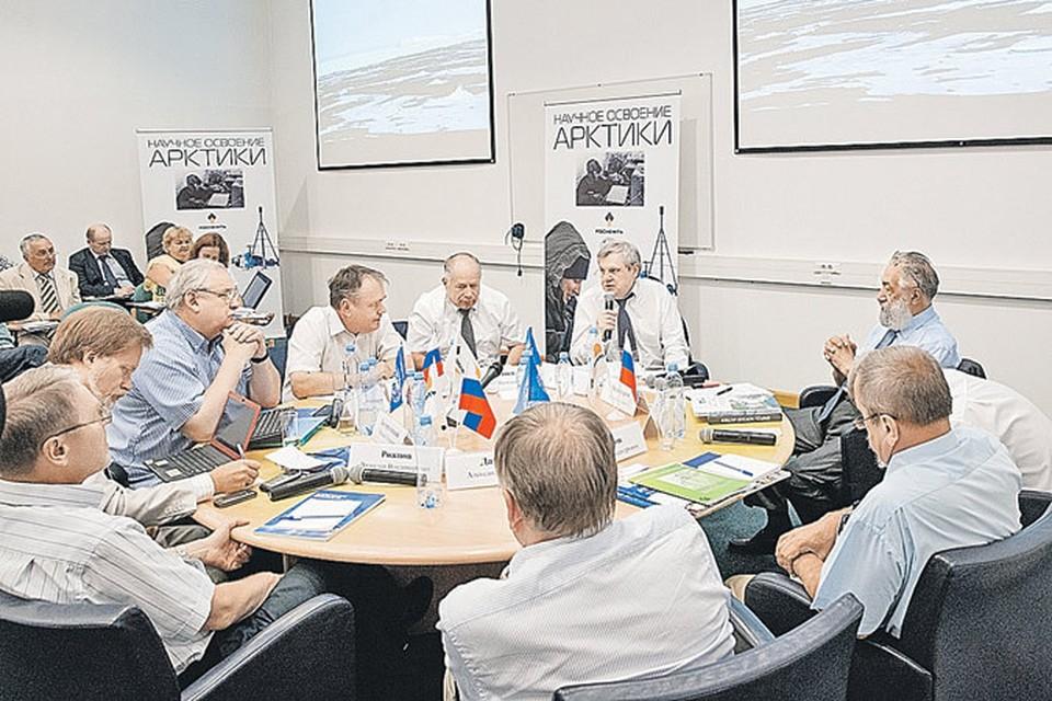 Артур Чилингаров (справа): «Главный приоритет - экологическая безопасность. Это понимают и в «Роснефти», и в Русском географическом обществе».