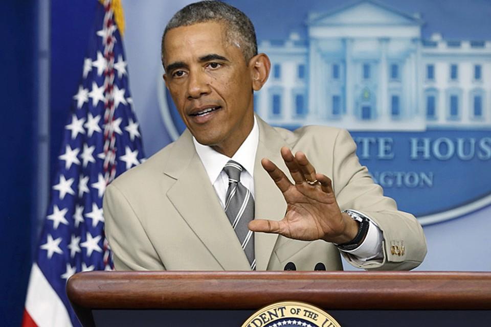 На выступление, посвященное вопросам войны и мира в Ираке и на Украине, он явился в костюме цвета «дерзкий беж» или «цвет крота»