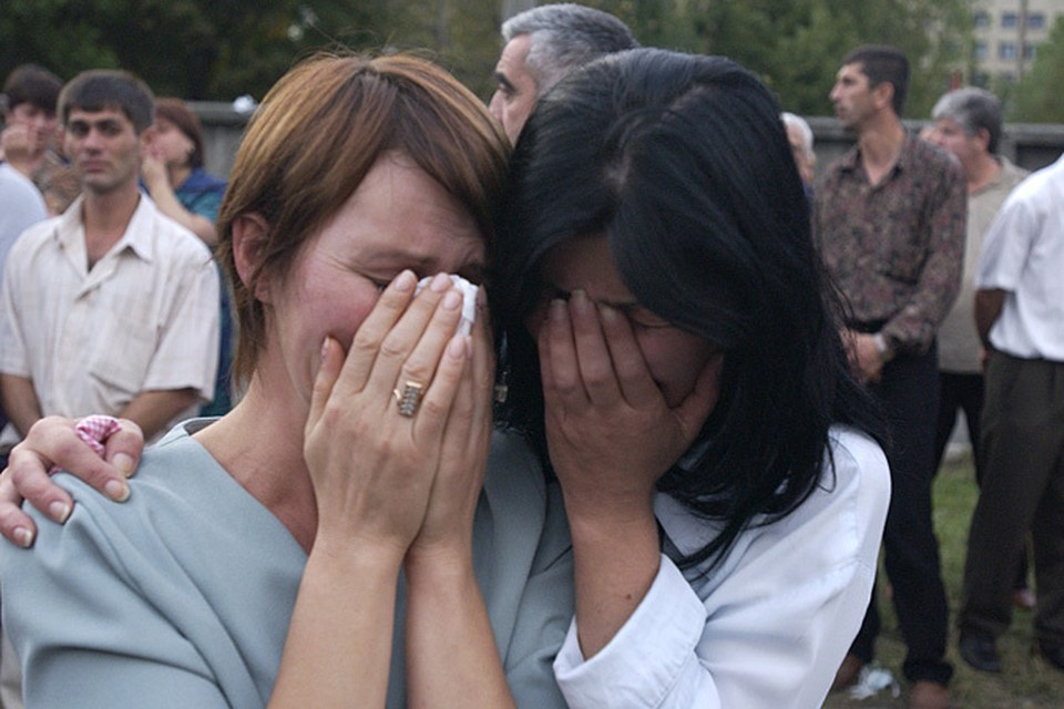 Спустя больше сорока дней после гибели заложников Беслана в Осетии есть люди, которых не могут найти ни среди живых, ни среди мертвых