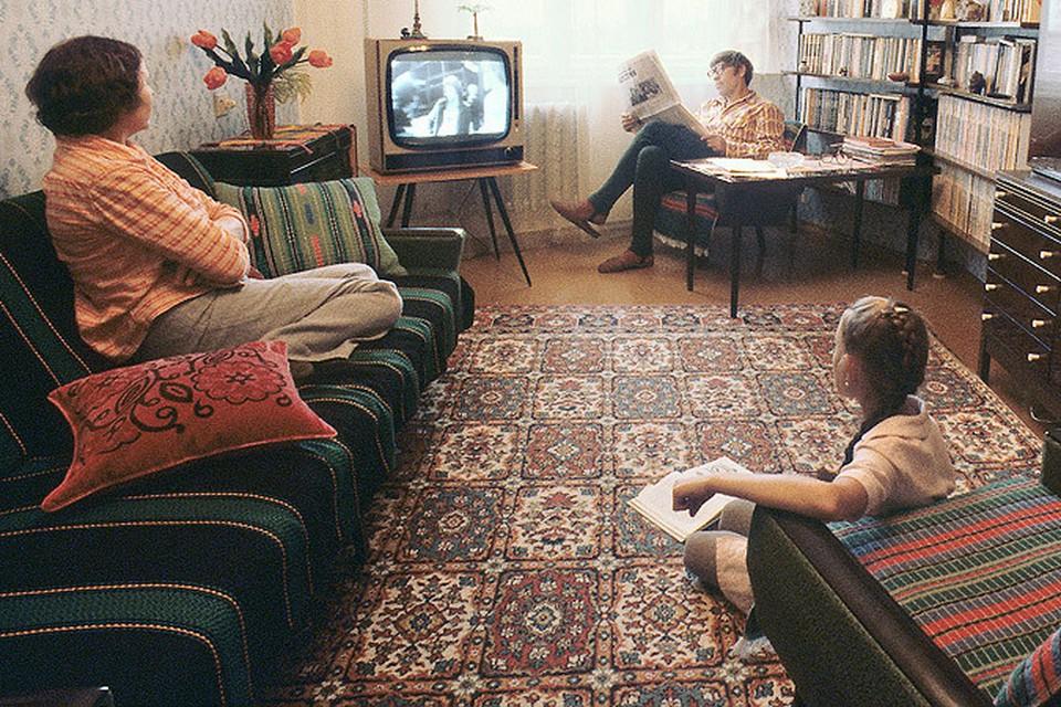7 ноября - отличный повод вспомнить советское детство и юность
