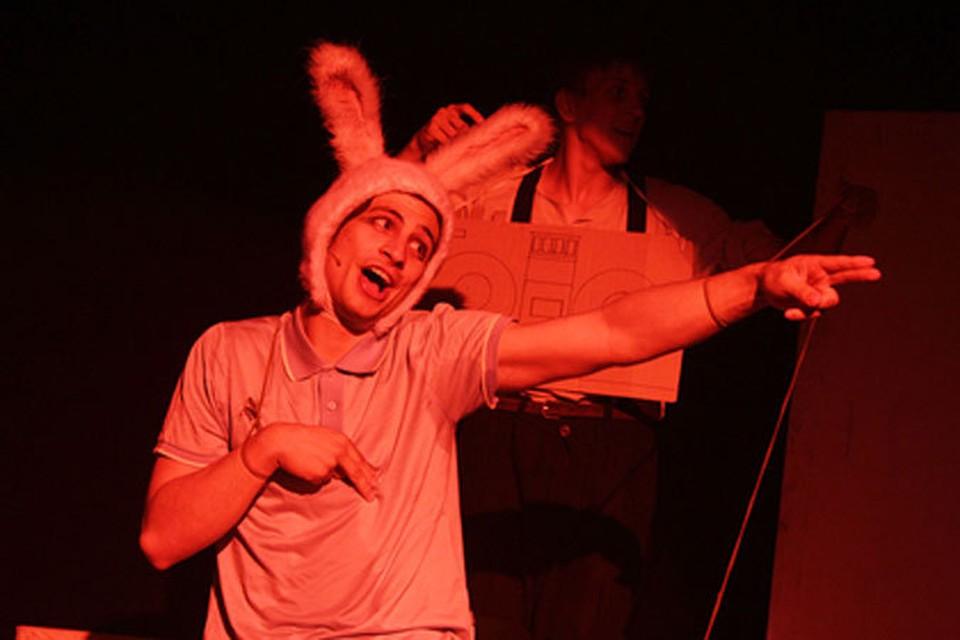 История фарфорового кролика Эдварда Тюлейна, пережившего свою одиссею и дантовы круги, не совсем совпадает со стандартным представлением о милой детской сказочке