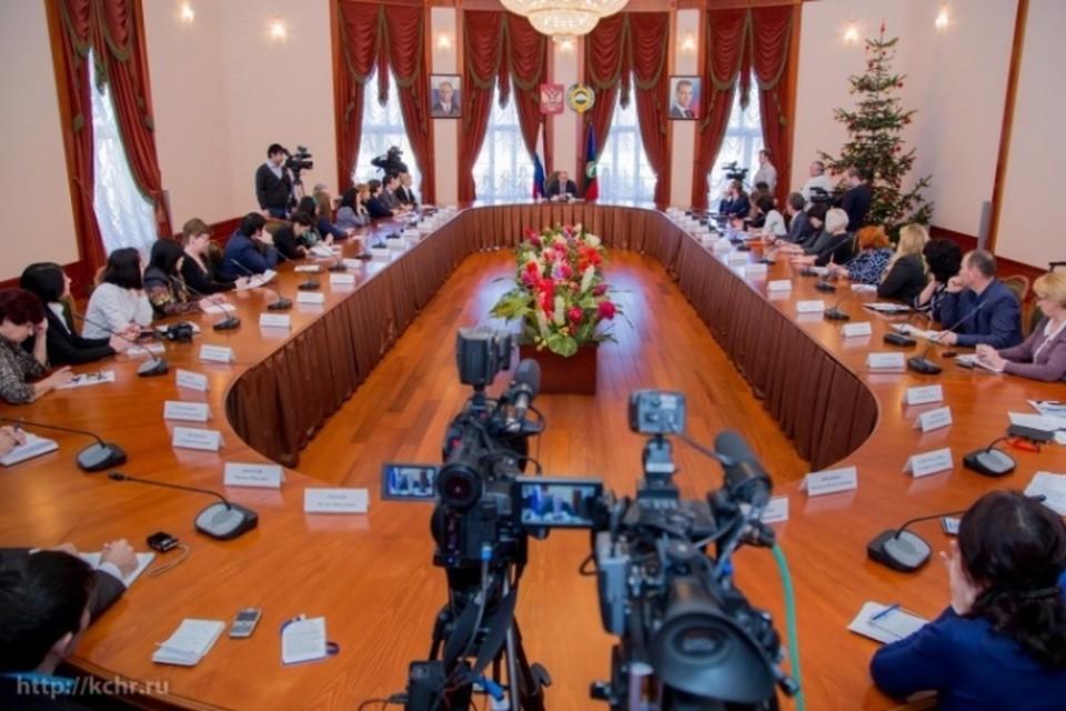 Глава КЧР Рашид Темрезов подвел итоги года. Фото: kchr.ru