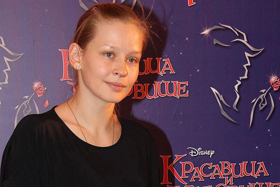 Юлия Пересильд сводила дочь на мюзикл