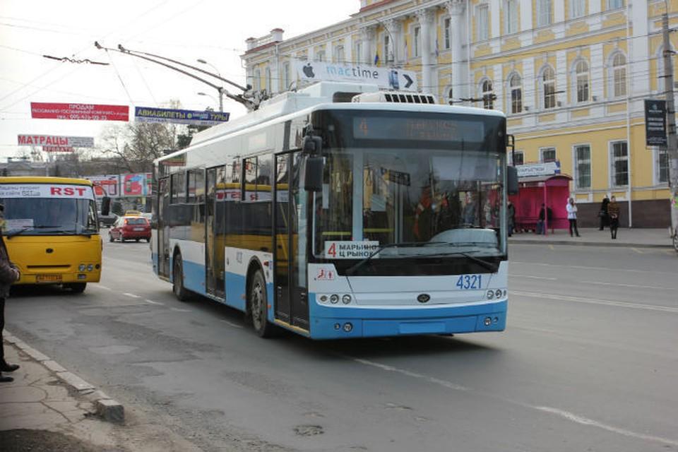 В некоторых районах Симферополя троллейбусы не курсировали с 6 до 10 утра.