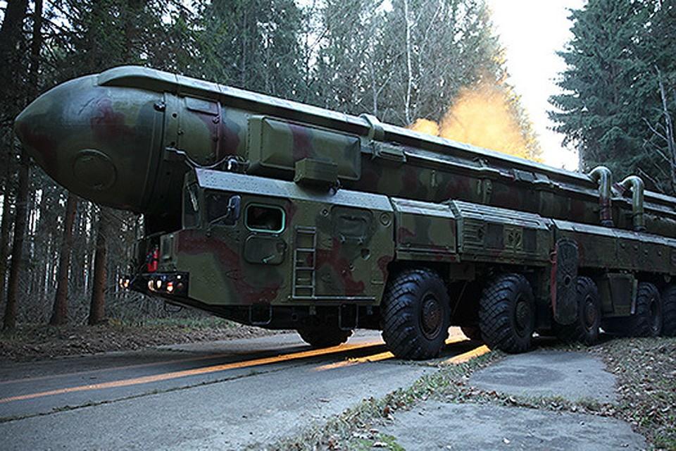 """Ракетный комплекс """"Тополь"""" привезут на ВДНХ ночью. ФОТО: Министерство Обороны"""