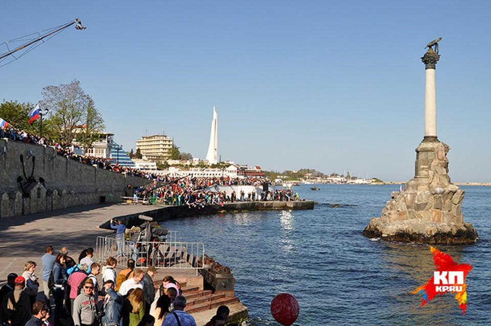 На парад Победы в Крым и Севастополь съехалось рекордное количество туристов