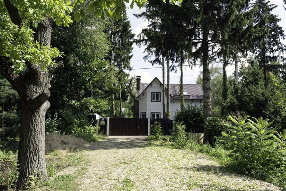 Покупателей любой недвижимости прежде всего волнует ее цена. Однако и некоторые жизненные удобства иметь тоже хотелось бы.