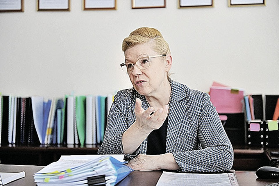 Глава Комитета Госдумы по вопросам семьи, женщин и детей Елена Мизулина.