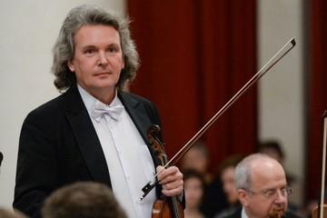Лев Клычков: «Если артист во время выступления думает, купил ли он сосиски, - за такое нужно убивать!»