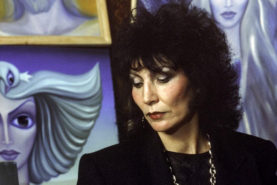 В Москве ушла из жизни целительница, ученый, изобретатель приборов для лечения, поэт, художник, киноактриса Джуна Давиташвили