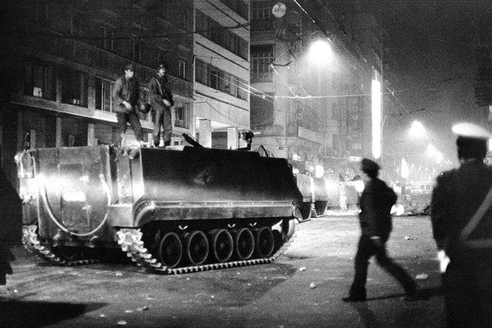 Многие страны Запада осудили переворот и нарушения прав человека. Но США остались лояльны хунте, поскольку она выступала за продолжение членства страны в НАТО