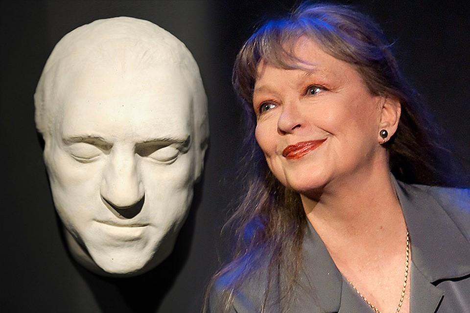 Марина Влади продает посмертную маску Высоцкого