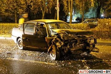 В Гродно авторемонтники взяли покататься чужую машину и разбили ее вдребезги